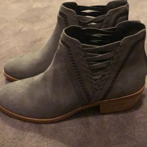 Gray Vince Camuto suede shoes